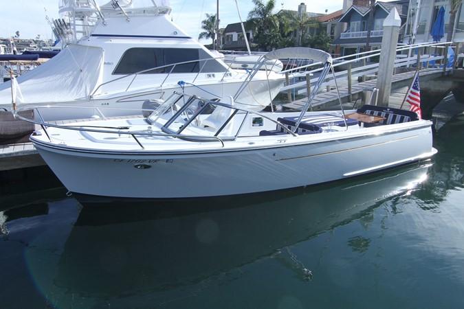 2015 Vanquish Boats  24 RA Runabout 2525673
