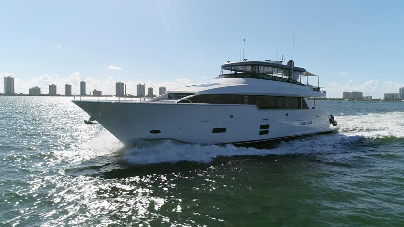 HATTERAS SNOWGHOST Yacht for Sale
