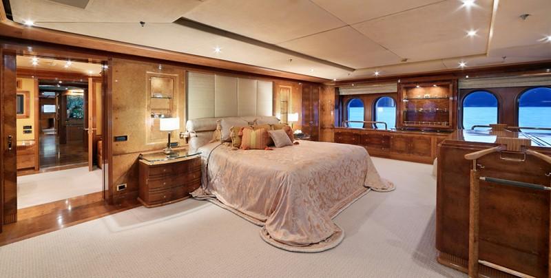 1998 CRN  Motor Yacht 2526416