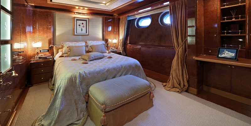 1998 CRN  Motor Yacht 2526419