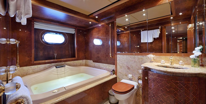 1998 CRN  Motor Yacht 2526420