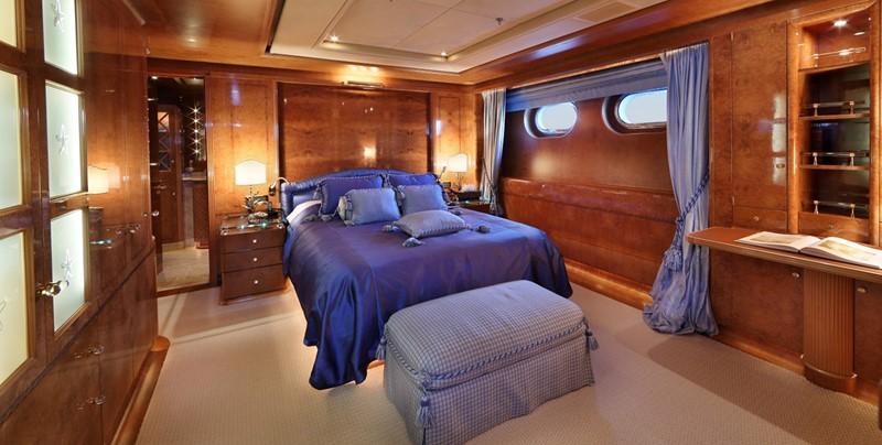 1998 CRN  Motor Yacht 2526421