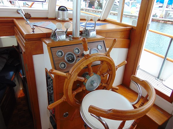 1972 GRAND BANKS  Trawler 2537893