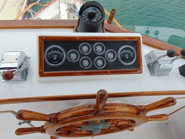 1972 GRAND BANKS  Trawler 2537900