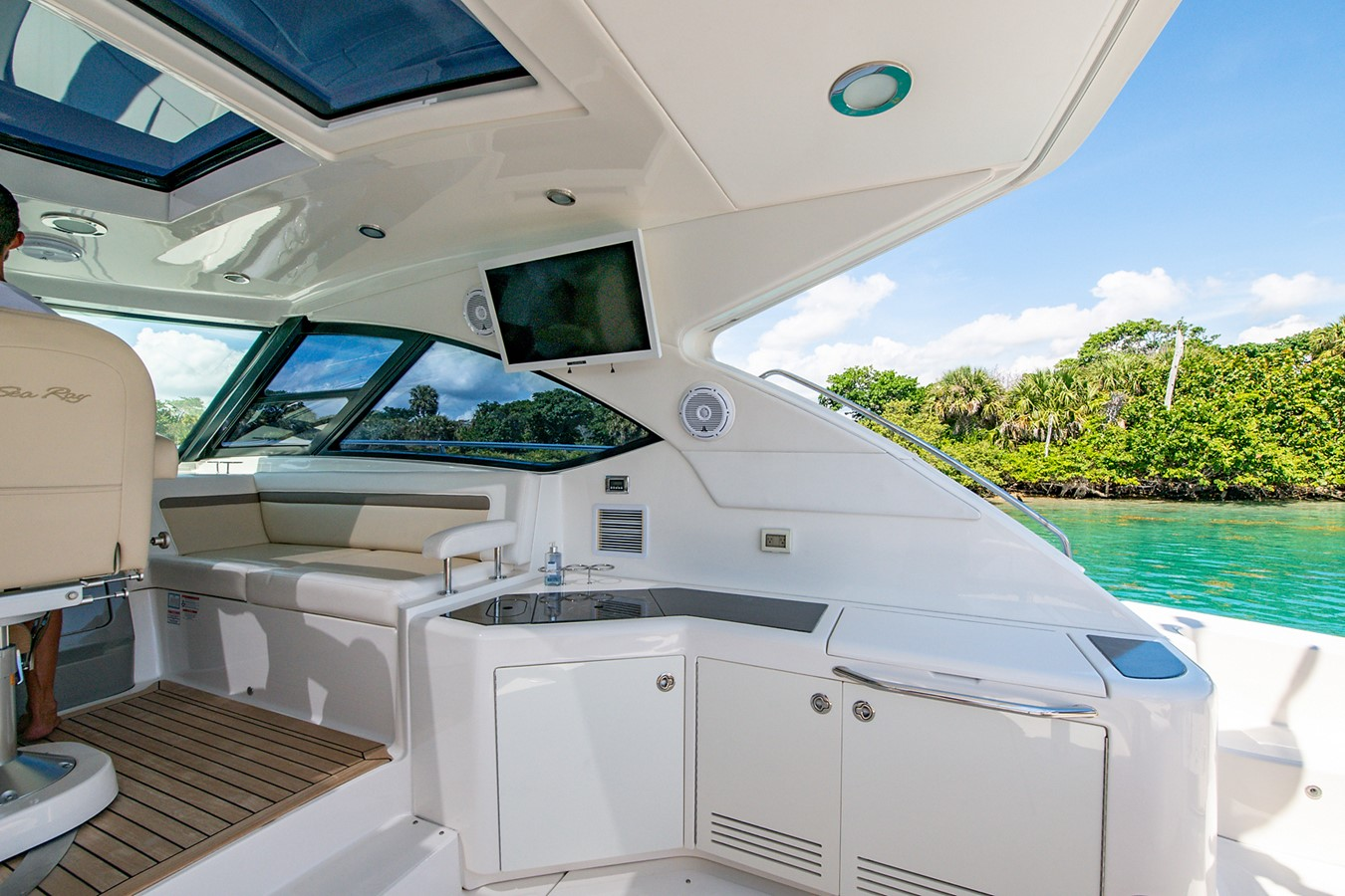 2013 SEA RAY Sundancer Motor Yacht 2531141