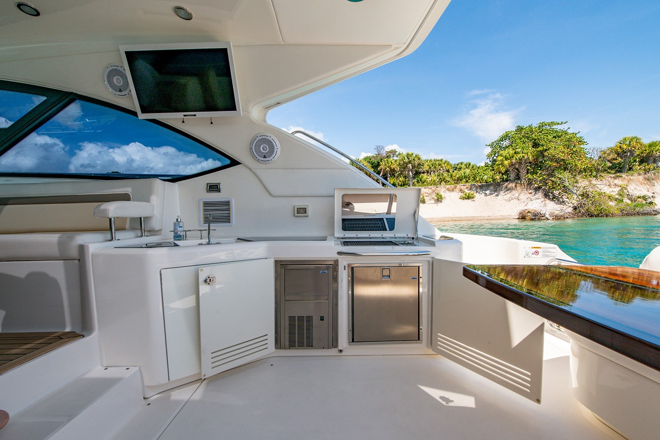 2013 SEA RAY Sundancer Motor Yacht 2531143