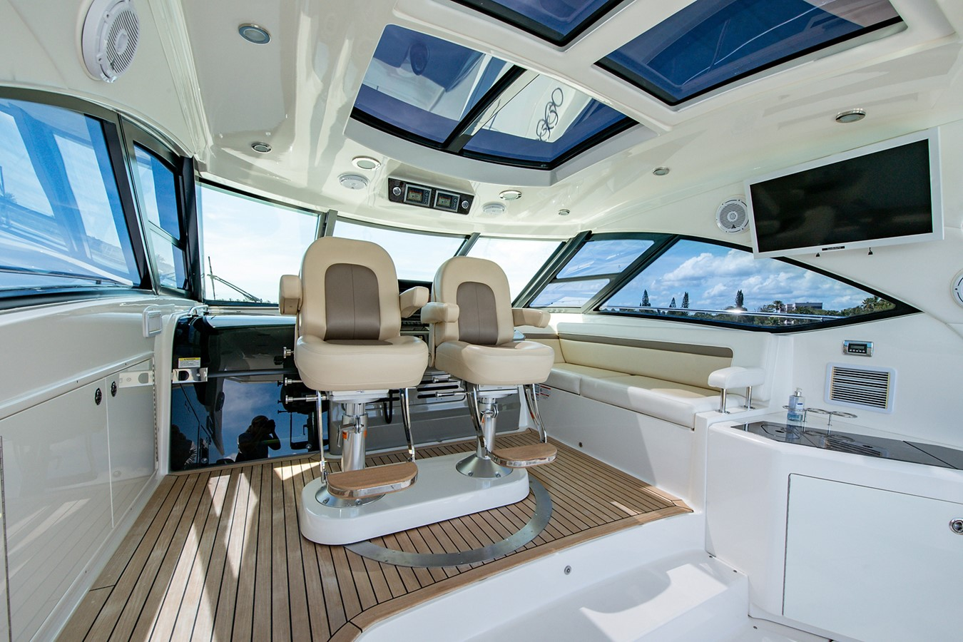 2013 SEA RAY Sundancer Motor Yacht 2531155