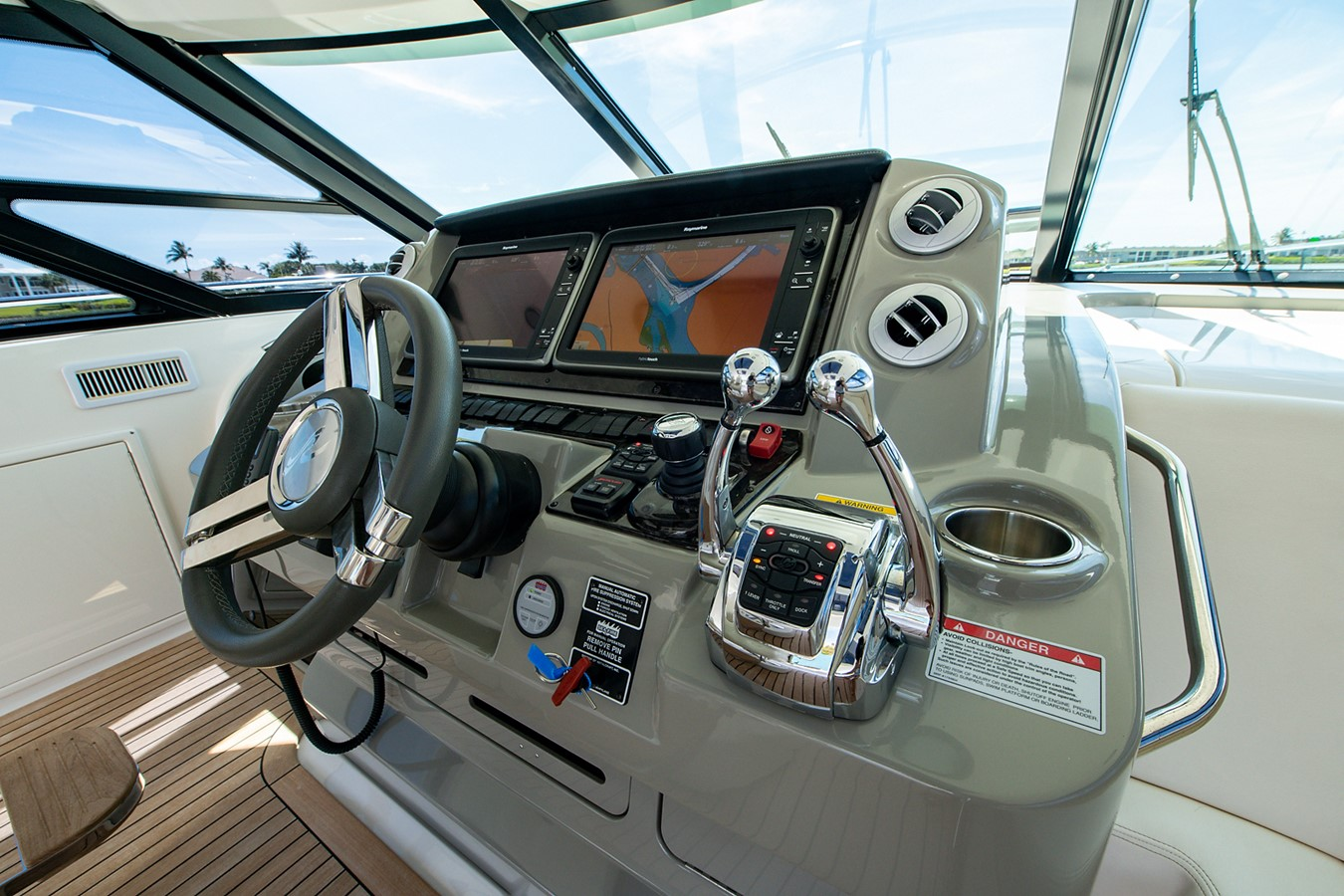2013 SEA RAY Sundancer Motor Yacht 2531173