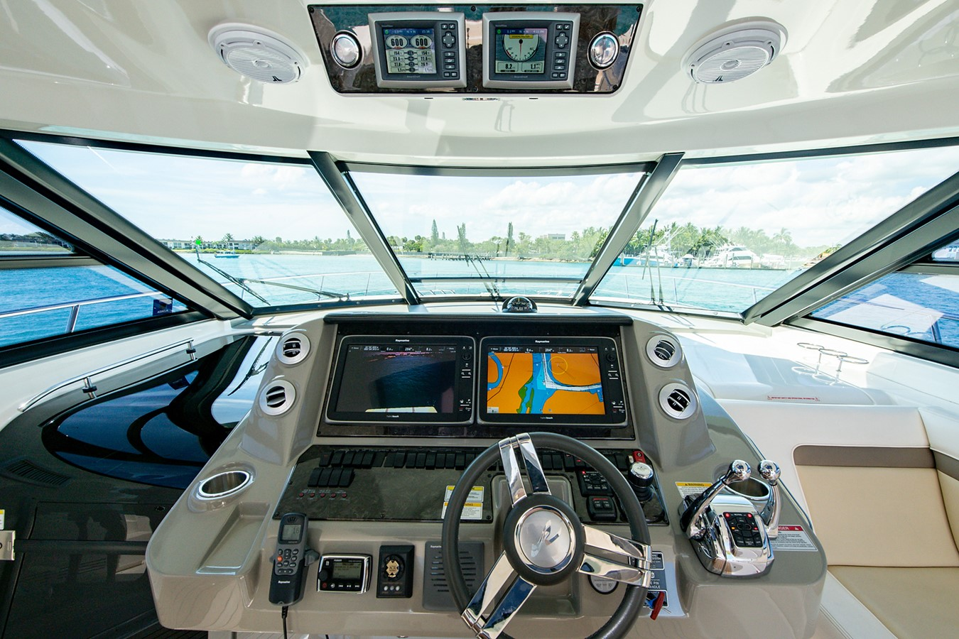 2013 SEA RAY Sundancer Motor Yacht 2531175