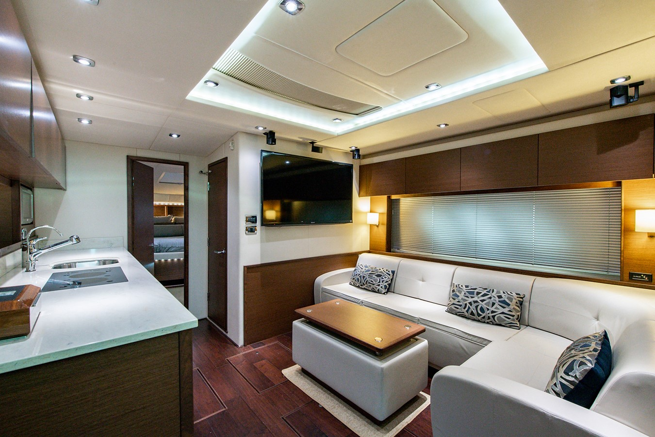 2013 SEA RAY Sundancer Motor Yacht 2531185