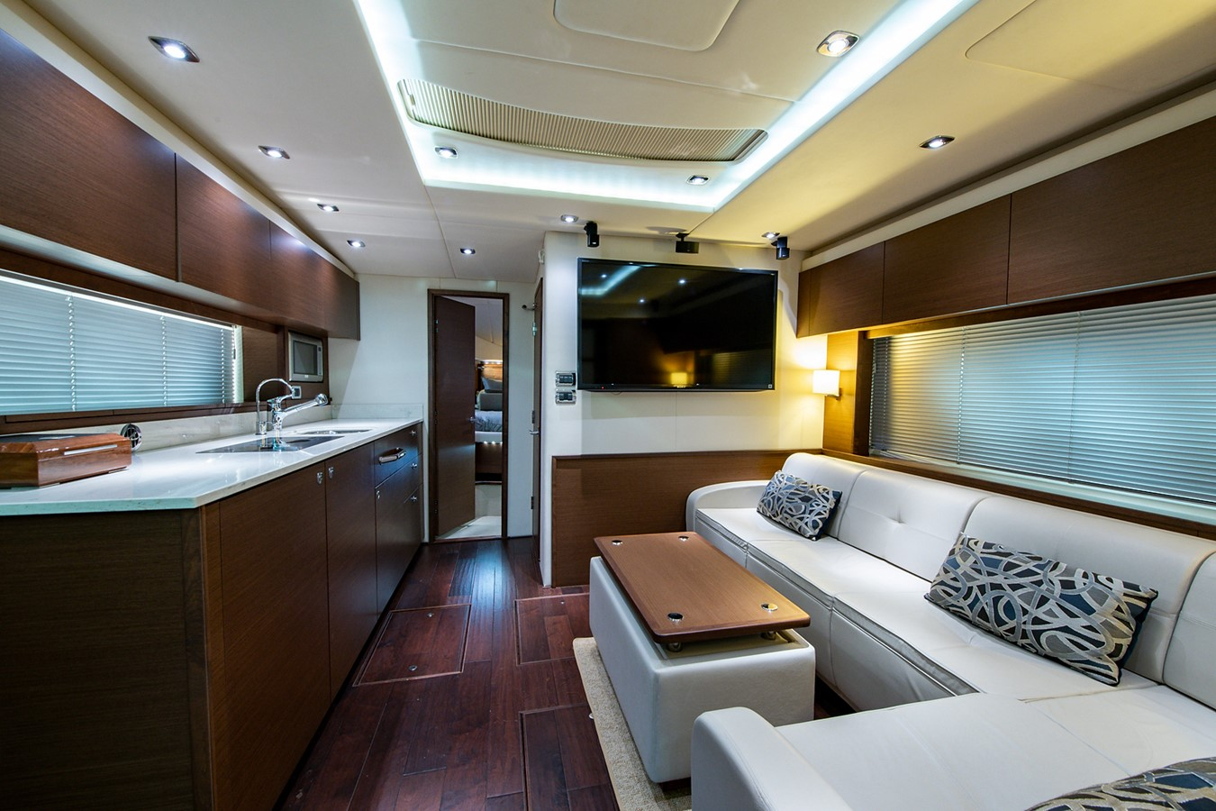 2013 SEA RAY Sundancer Motor Yacht 2531192