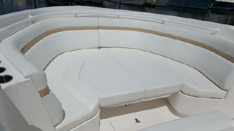 Bow Seating 2014 INTREPID 475 Panacea Center Console 2531215