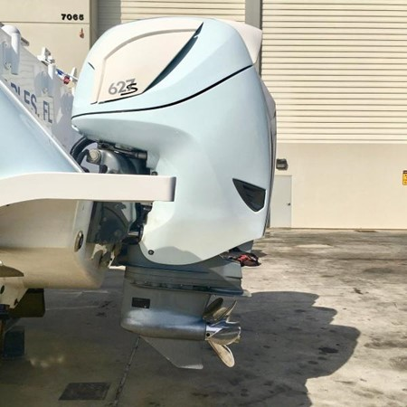 627 HP Outboards  2014 INTREPID 475 Panacea Center Console 2531232