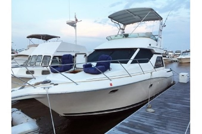 yachtIMG_7391.JPG.pagespeed.ic.W5KSNGVkL9 1998 BAYLINER 3258 Avanti Houseboat 2547022
