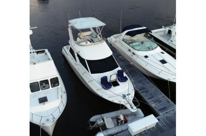 yachtBH-2.jpg.pagespeed.ic.Agd1G17OPC 1998 BAYLINER 3258 Avanti Houseboat 2547023