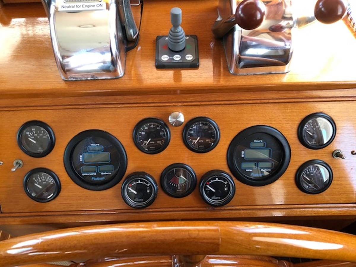 IMG_7555 2002 GRAND BANKS Heritage Europa Trawler 2532878
