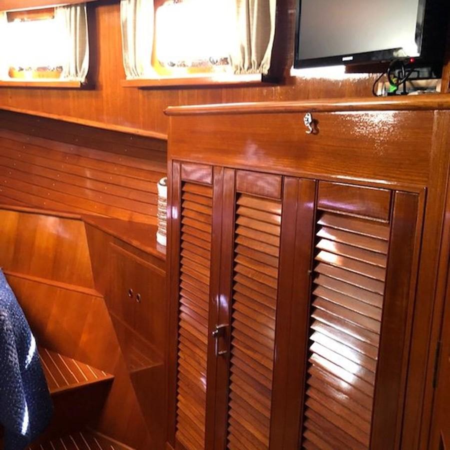 IMG_7558 2002 GRAND BANKS Heritage Europa Trawler 2532881