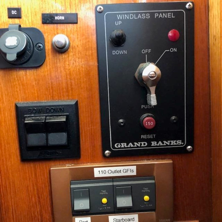 IMG_7587 2002 GRAND BANKS Heritage Europa Trawler 2532910