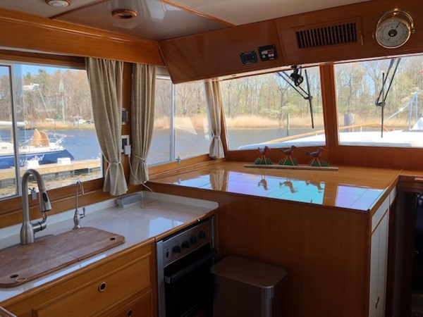 IMG_7535 2002 GRAND BANKS Heritage Europa Trawler 2532858