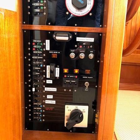 IMG_7583 2002 GRAND BANKS Heritage Europa Trawler 2532906