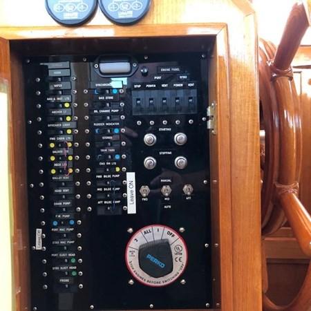 IMG_7584 2002 GRAND BANKS Heritage Europa Trawler 2532907