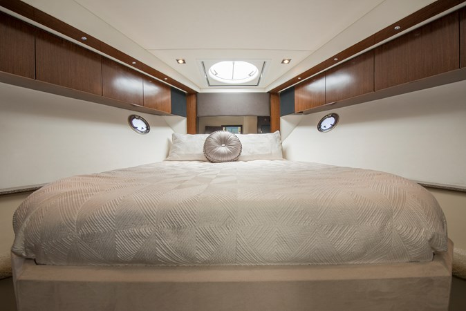 Master Stateroom 2013 Cruisers Yachts 41 Cantius Cruiser 2536559