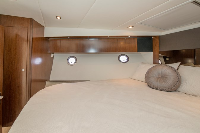 Master Stateroom 2013 Cruisers Yachts 41 Cantius Cruiser 2536560