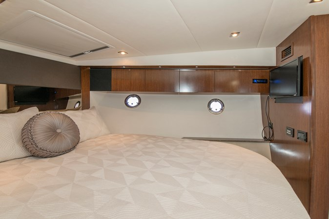 Master Stateroom 2013 Cruisers Yachts 41 Cantius Cruiser 2536561
