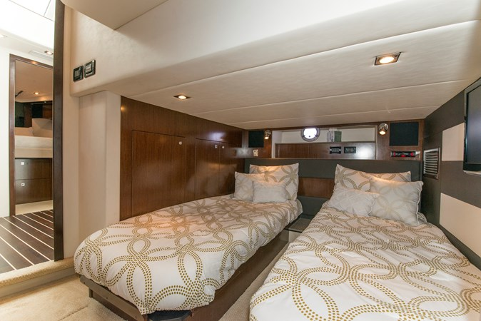 Guest Stateroom 2013 Cruisers Yachts 41 Cantius Cruiser 2536564