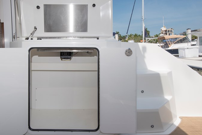 Cockpit Grill  & Stoage 2013 Cruisers Yachts 41 Cantius Cruiser 2536583