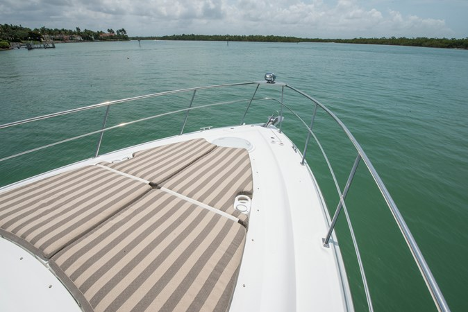 Foredeck Sunpad 2013 Cruisers Yachts 41 Cantius Cruiser 2536587