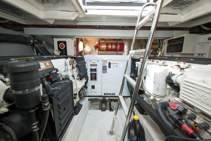 Engine Room 2013 Cruisers Yachts 41 Cantius Cruiser 2536593