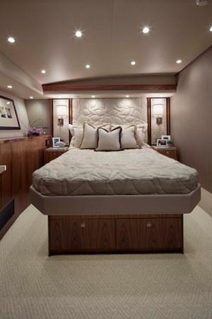 H-Viking 92 1 Bed SR 2020 VIKING 92 Enclosed Skybridge  Sport Fisherman 2537931