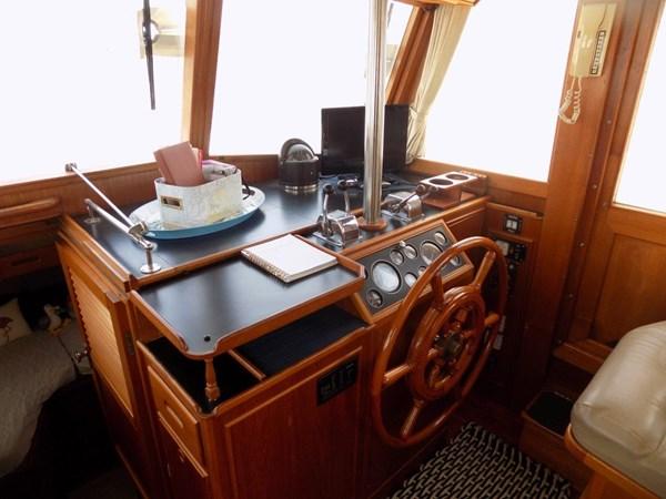 1990 GRAND BANKS 42 Classic Trawler 2538641