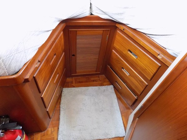 1990 GRAND BANKS 42 Classic Trawler 2538651