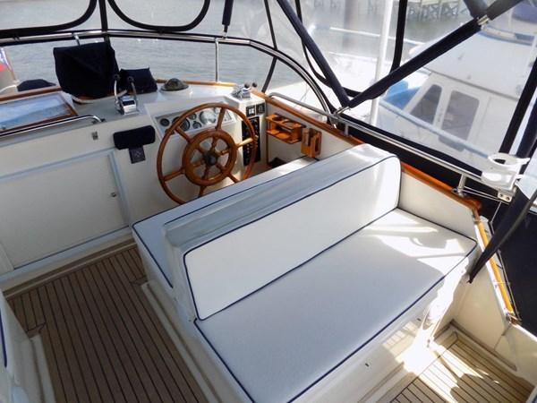 1990 GRAND BANKS 42 Classic Trawler 2538679