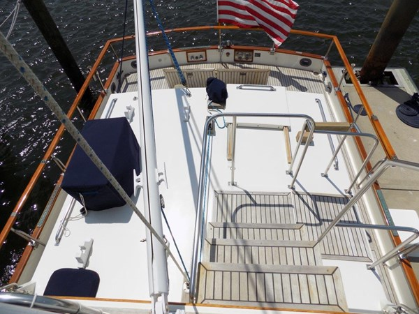 1990 GRAND BANKS 42 Classic Trawler 2538689