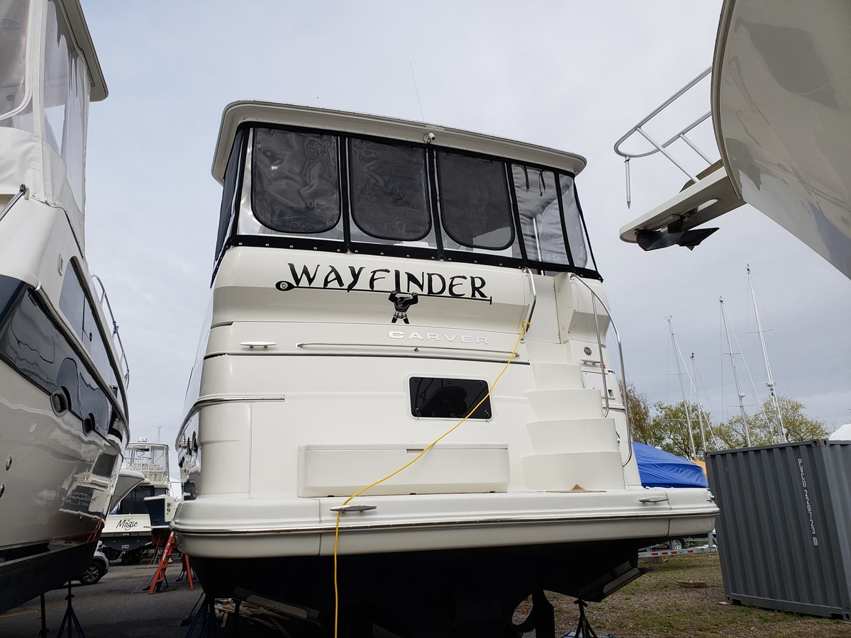 2005 CARVER 466 Motor Yacht 2539255