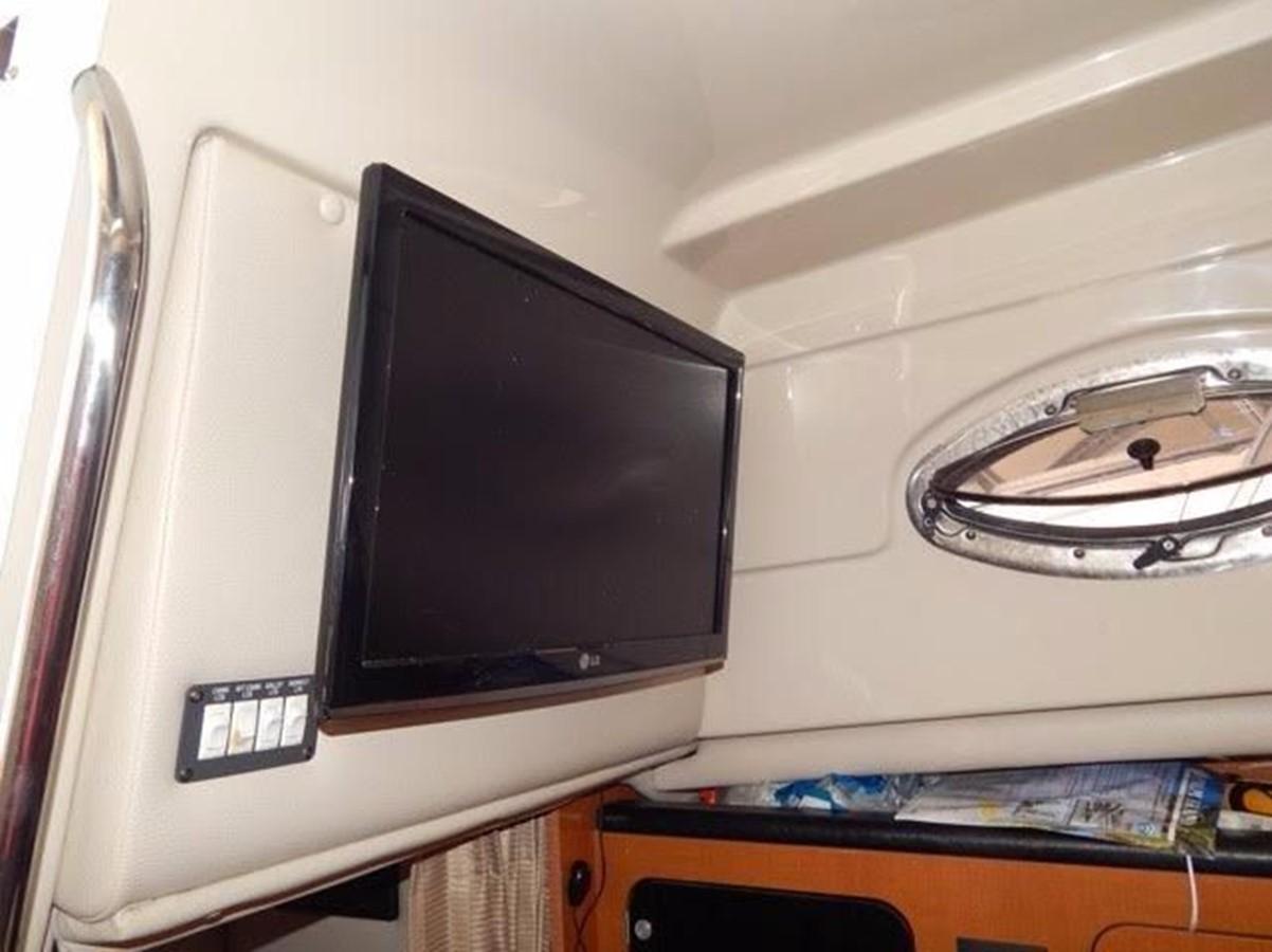 2012 ROBALO 305 Express Walkaround 2540358