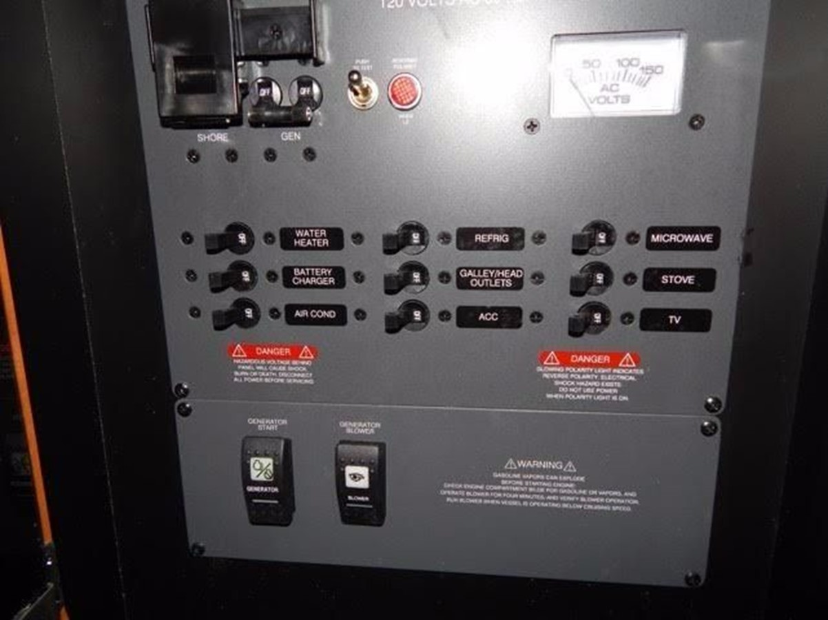 2012 ROBALO 305 Express Walkaround 2540365