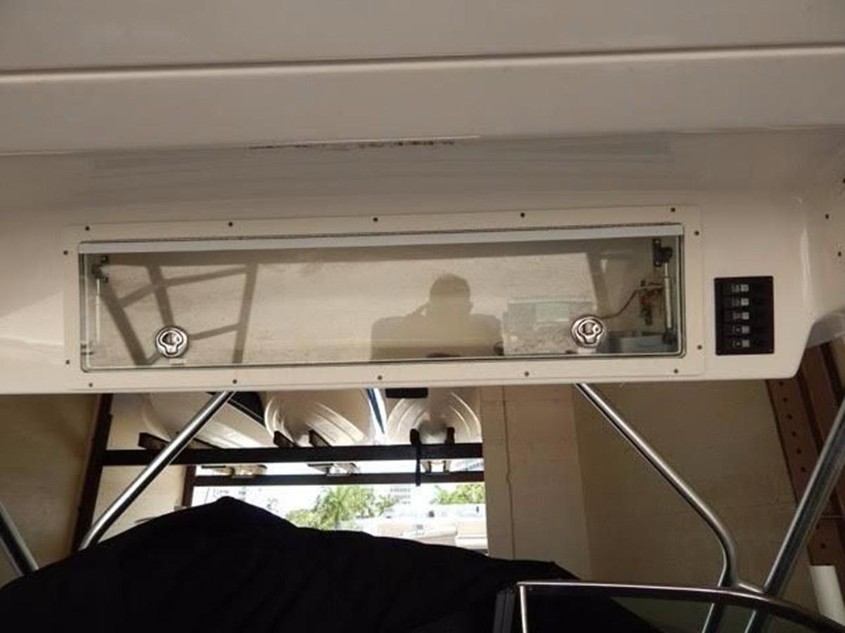 2012 ROBALO 305 Express Walkaround 2540367