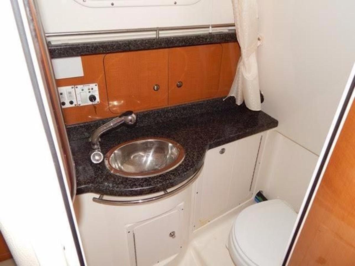2012 ROBALO 305 Express Walkaround 2540369