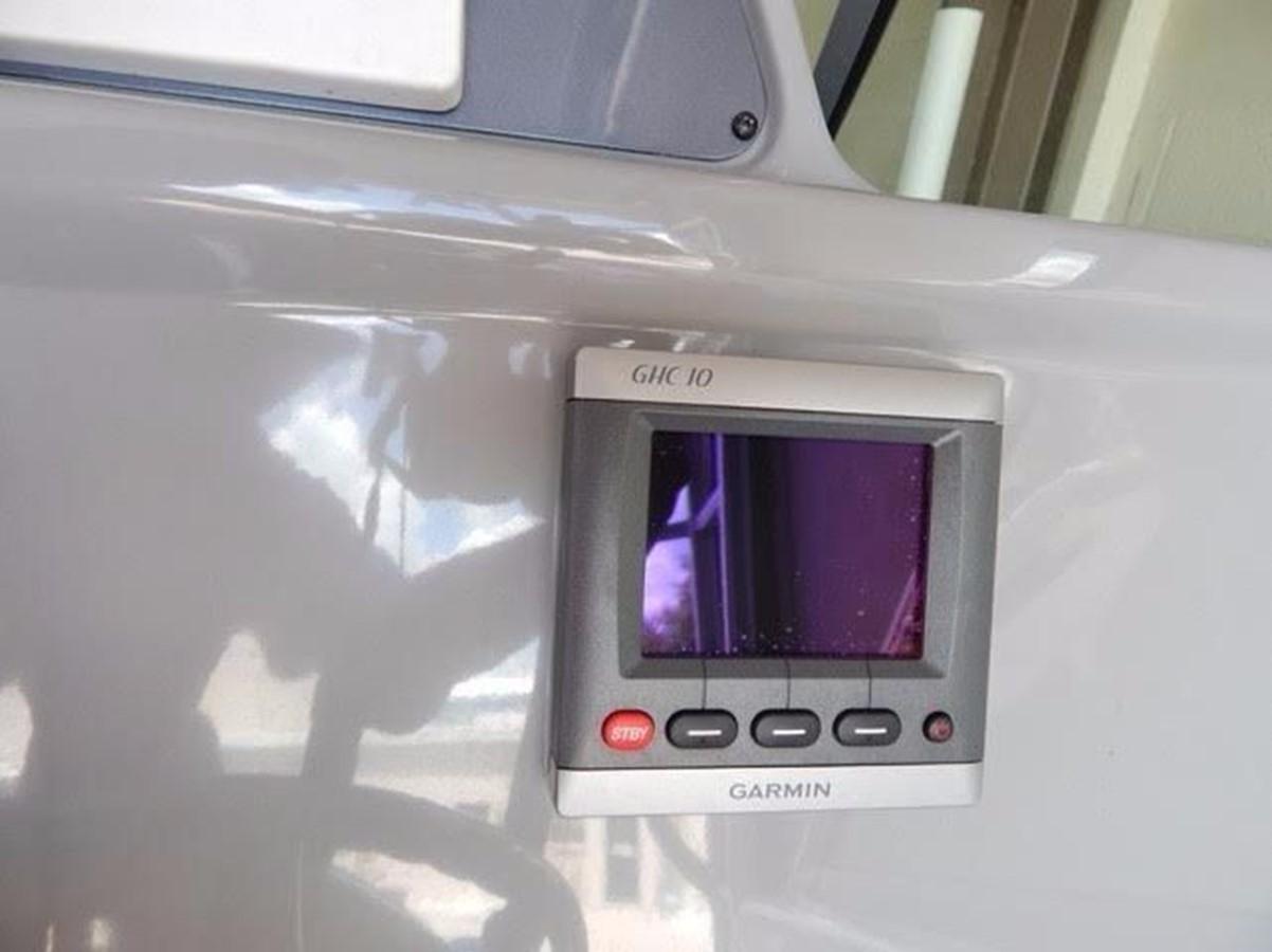 2012 ROBALO 305 Express Walkaround 2540372