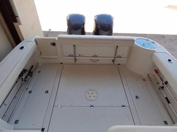 2012 ROBALO 305 Express Walkaround 2540352