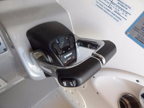 2012 ROBALO 305 Express Walkaround 2540373