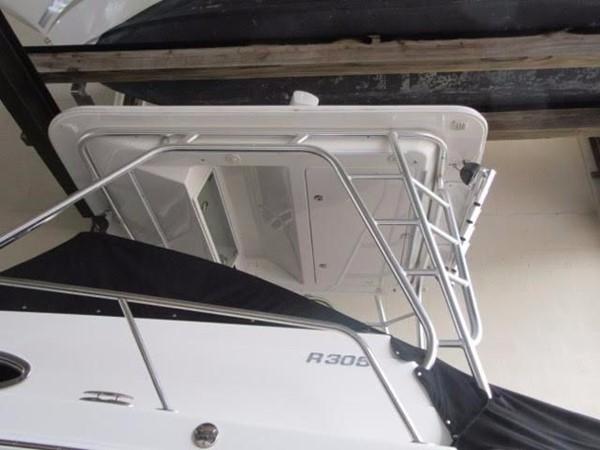 2012 ROBALO 305 Express Walkaround 2540374