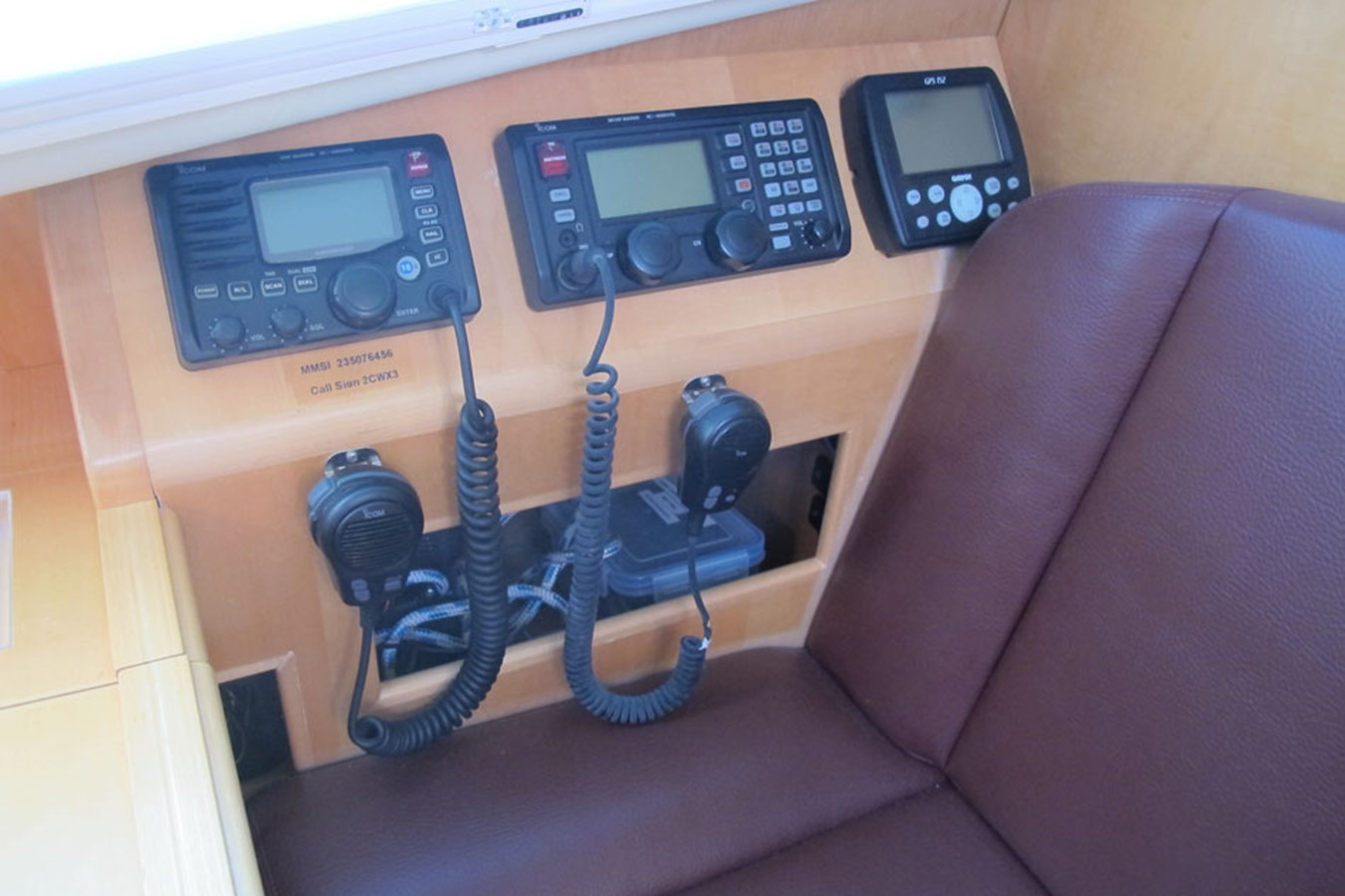 2010 DISCOVERY Discovery 55 Cruising Sailboat 2541372