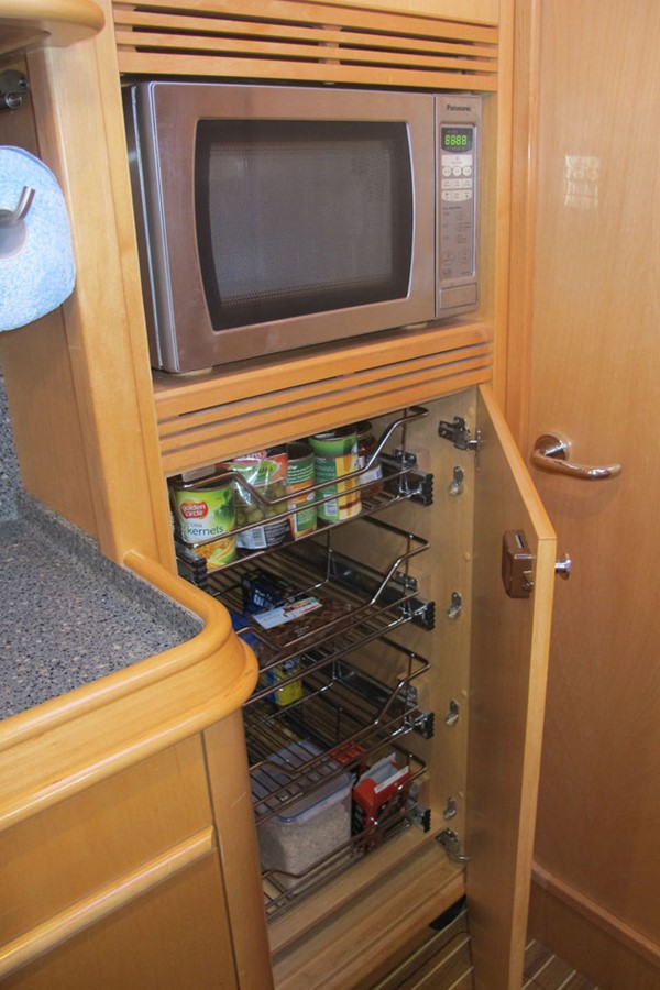2010 DISCOVERY Discovery 55 Cruising Sailboat 2541377