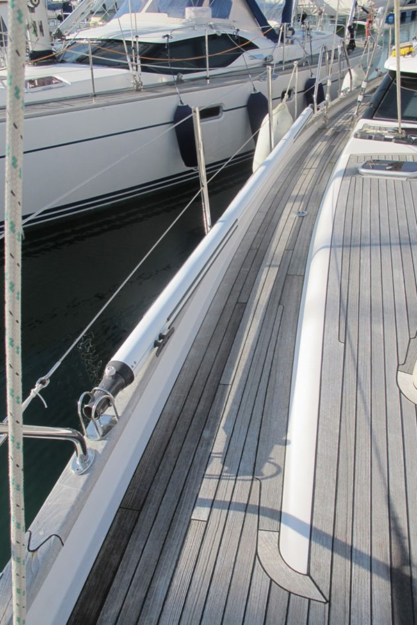 2010 DISCOVERY Discovery 55 Cruising Sailboat 2541393