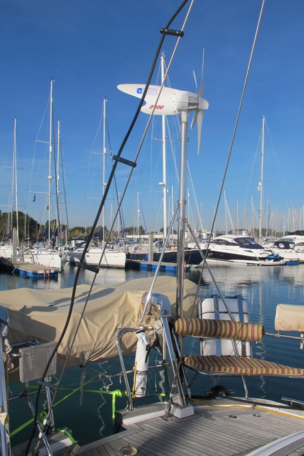 2010 DISCOVERY Discovery 55 Cruising Sailboat 2541397